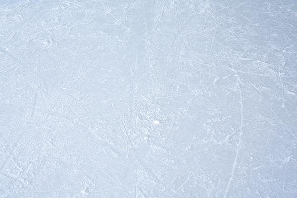 """У хоккейного клуба """"Тамбов"""" появилась новая лёдозаливочная машина"""