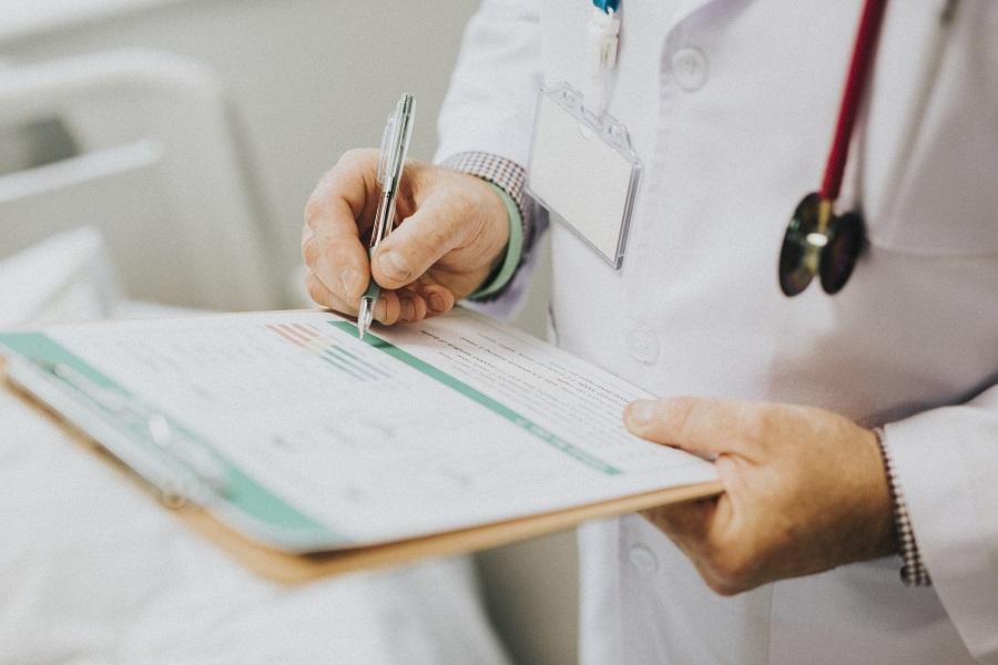 В Минздраве назвали опасные симптомы после прививки от COVID-19