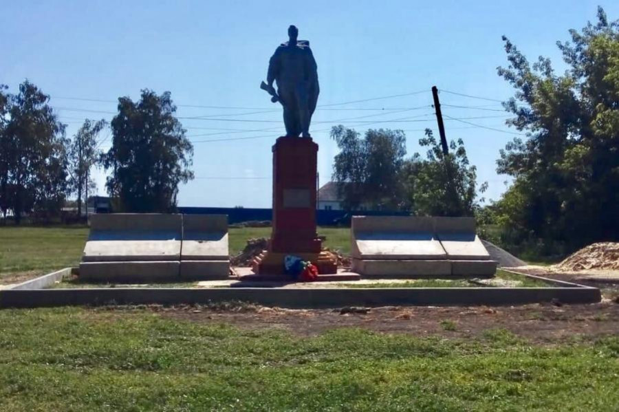 В Мордовском районе строят новый мемориальный комплекс