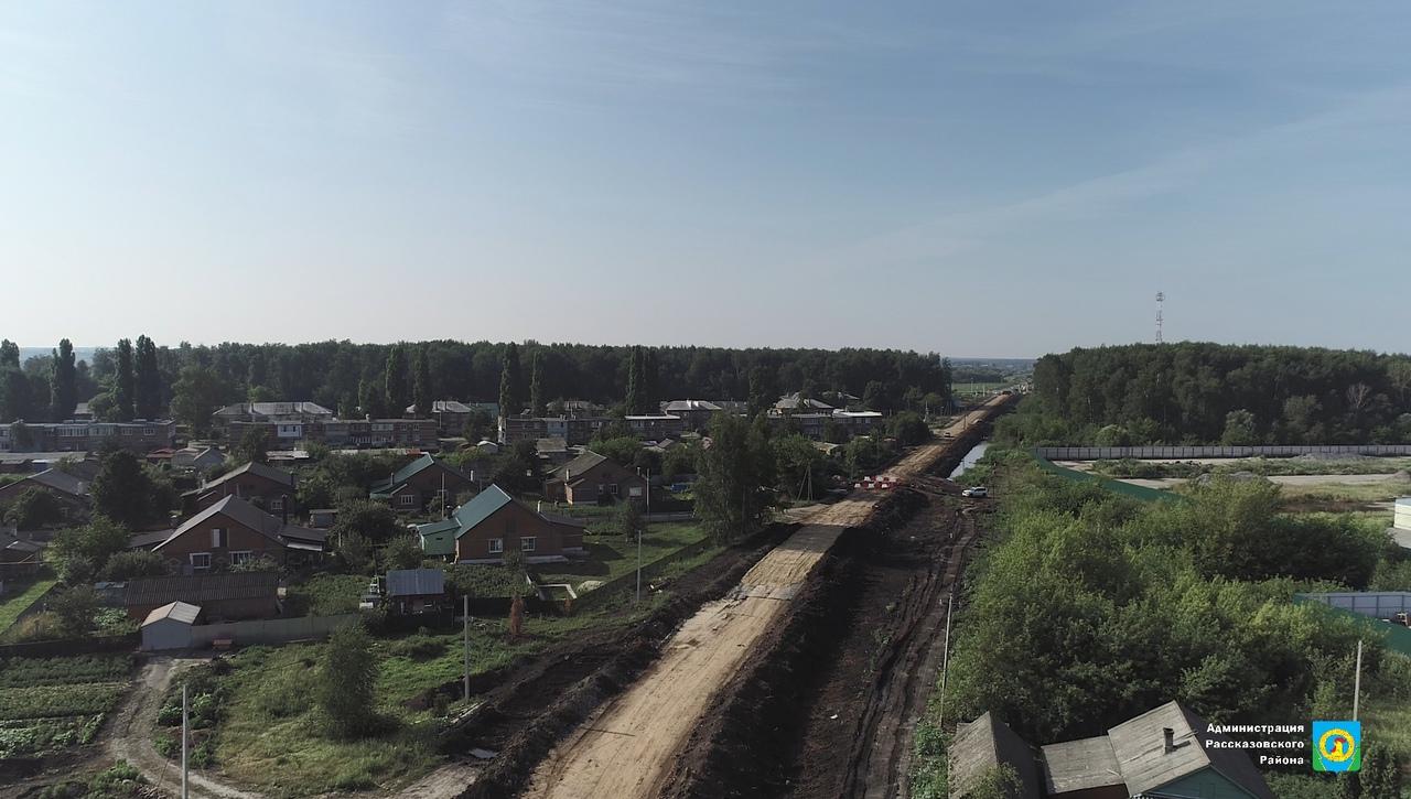 В Рассказовском районе ремонтируют дорогу к детскому саду
