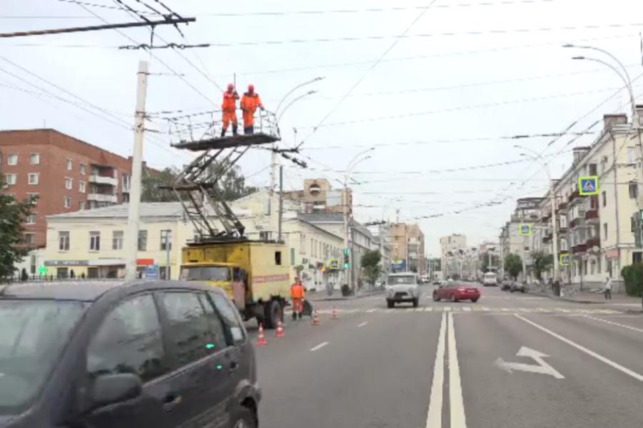 В Тамбове демонтируют рекламные транспаранты-перетяжки