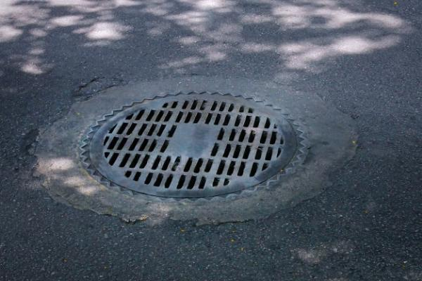 В Тамбове возбуждены уголовные дела за кражи канализационных люков