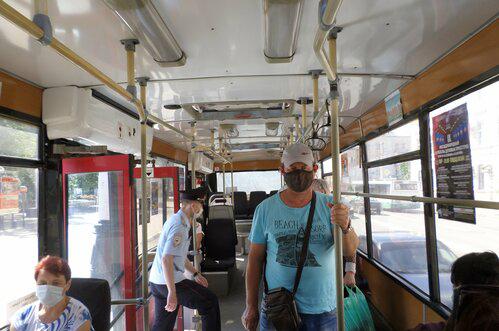 В Тамбове выявили больше десятка нарушений масочного режима в транспорте