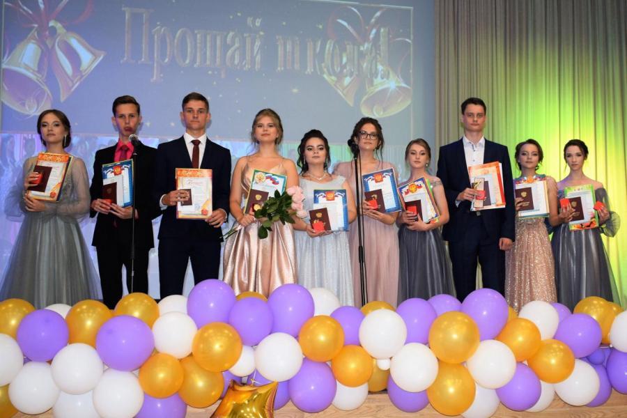 В Тамбовской области 452 выпускника окончили школу с золотой медалью