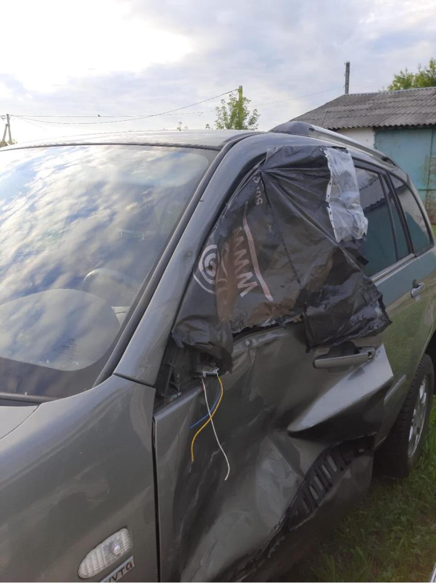 В Умёте столкнулись иномарка и мопед: двое подростков в больнице