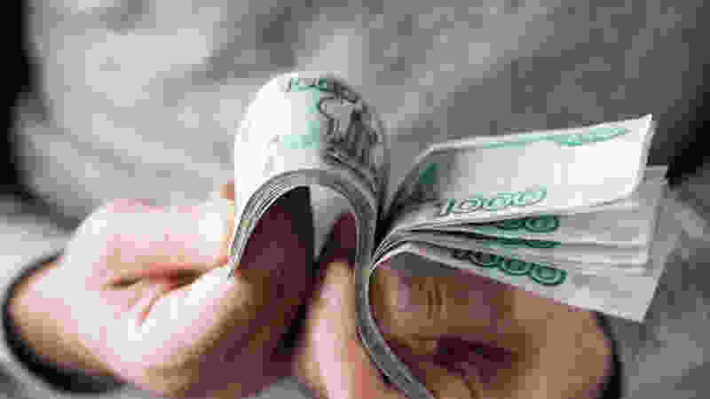 «Высокопоставленный сотрудник» заполучил у 86-летнего пенсионера почти 3 миллиона рублей