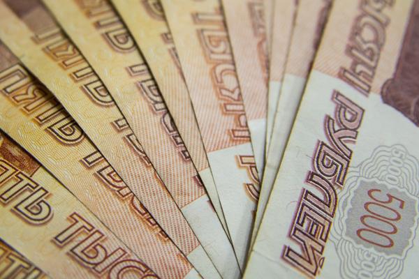 За работу в выходные жителю Мордовского района заплатили более 60 тысяч