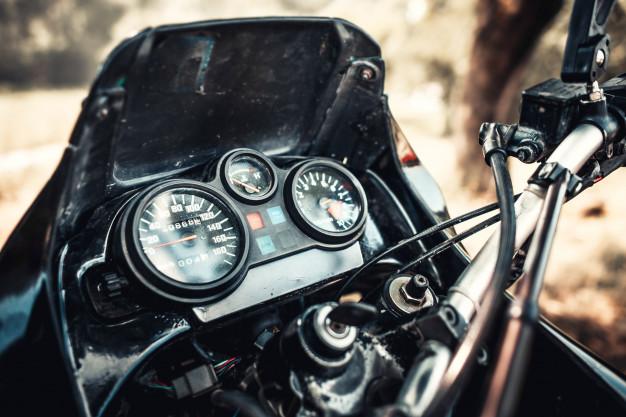 Житель Староюрьево с помощью взятки хотел поставить на учёт сломанный мотоцикл