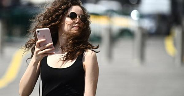 Жители Барнаула больше других вРФразговаривают помобильному телефону— исследование