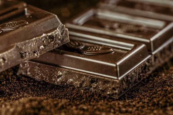 Диетолог перечислила полезные свойства шоколада