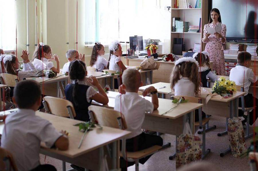 """""""Единая Россия"""": учебный год в школах начнется 1 сентября в очном формате"""