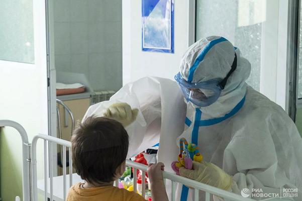 Глава Минздрава заявил о росте случаев заражений коронавирусом среди детей