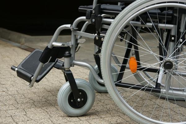 Инвалид, обращавшийся к первому вице-губернатору, полгода ждёт обещанный пандус