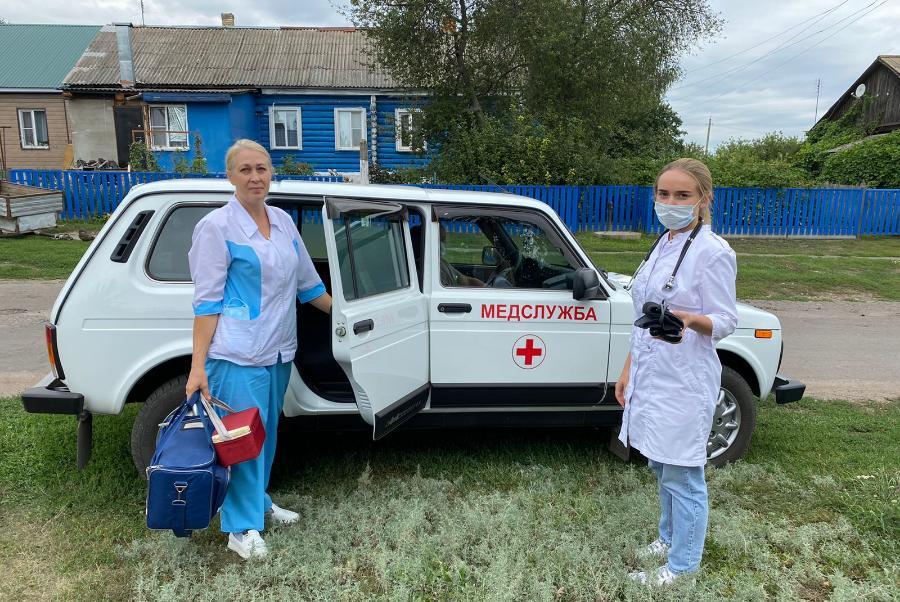 Кирсановская ЦРБ получила два новых санитарных автомобиля