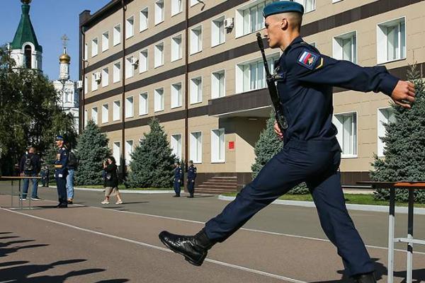 """На съезде """"Единой России"""" Путин предложил распространить выплату военным на курсантов и правоохранителей"""