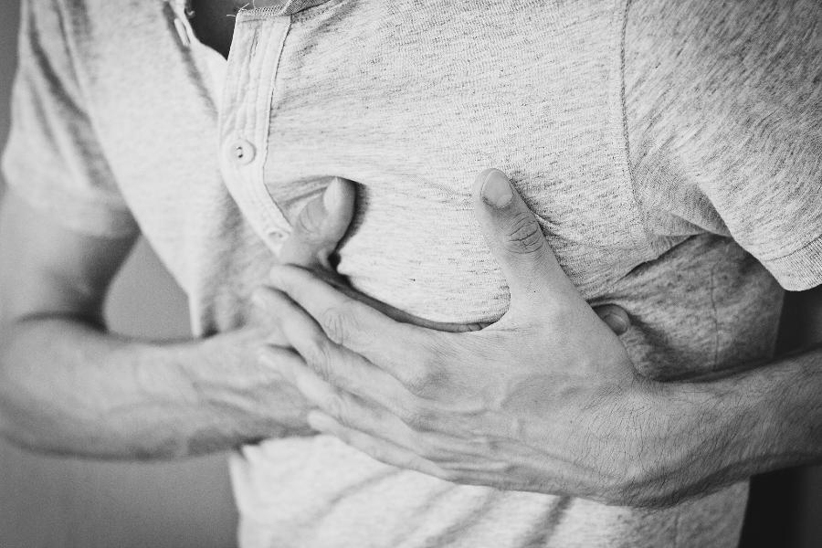 Назван симптом инфаркта, появляющийся за несколько дней до приступа