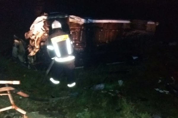 Обзор за неделю: обрушение аварийного дома, воспитатель-миллионер, возгорание пассажирского автобуса
