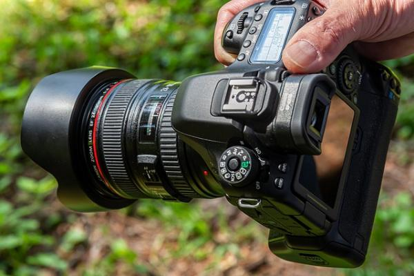 Подозреваемый в совращении школьниц мичуринский фотограф остаётся за решёткой