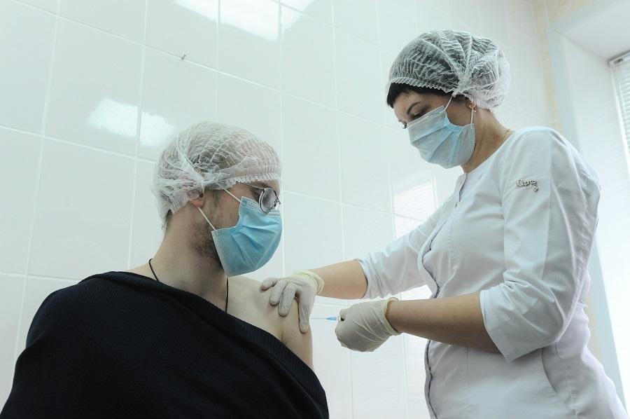 Полную вакцинацию от коронавируса прошли более двухсот тысяч тамбовчан