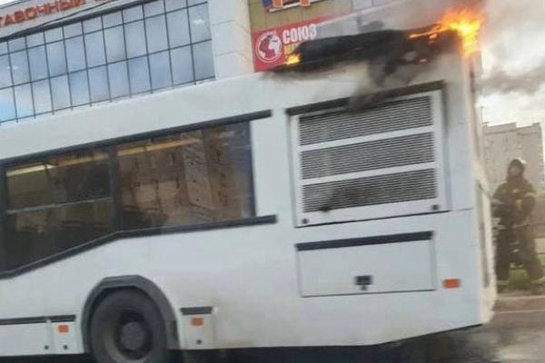 Прокуратура проводит проверку возгорания автобуса