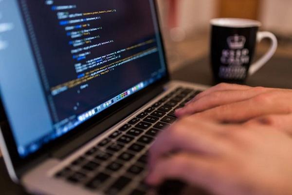 Школьники с 2022 года смогут учиться программированию бесплатно