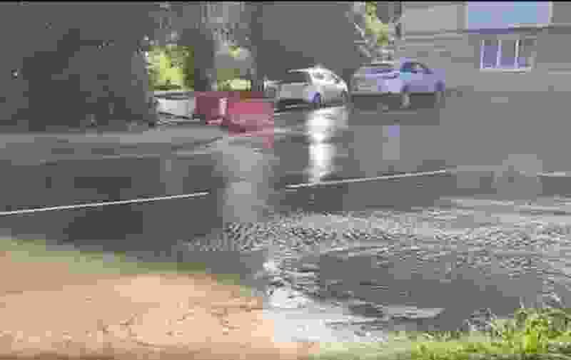 Тамбовчане пожаловались на очередной порыв сетей водоснабжения севере города