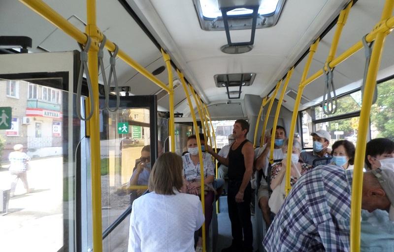 Тамбовчане продолжают нарушать масочный режим в пассажирском транспорте