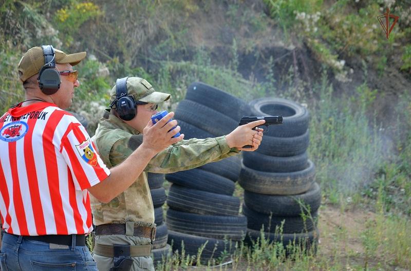 Тамбовские росгвардейцы стали победителями в соревнованиях по практической стрельбе