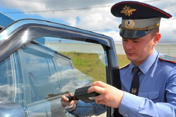 В Госдуме предложили снизить требования к ГОСТу по тонировке машин