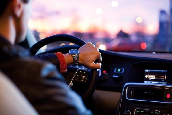 В России предложили ввести штрафы для шумных водителей
