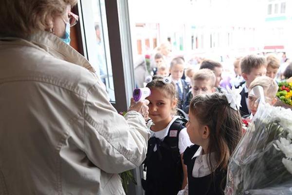 В российских школах 1 сентября усилят противоэпидемиологические меры