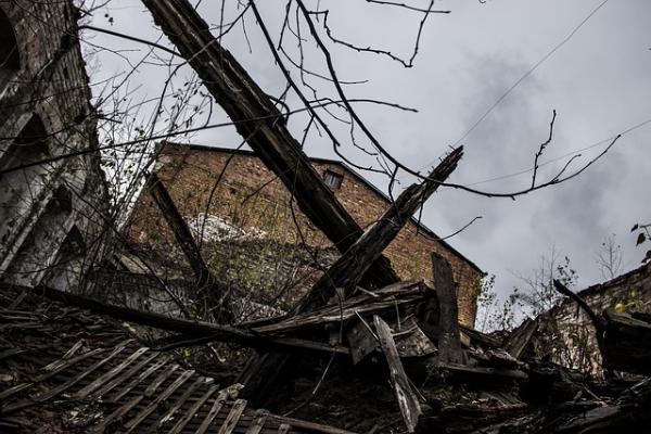 В Тамбове ищут собственника полуразрушенного строения в районе улицы Советской 19В