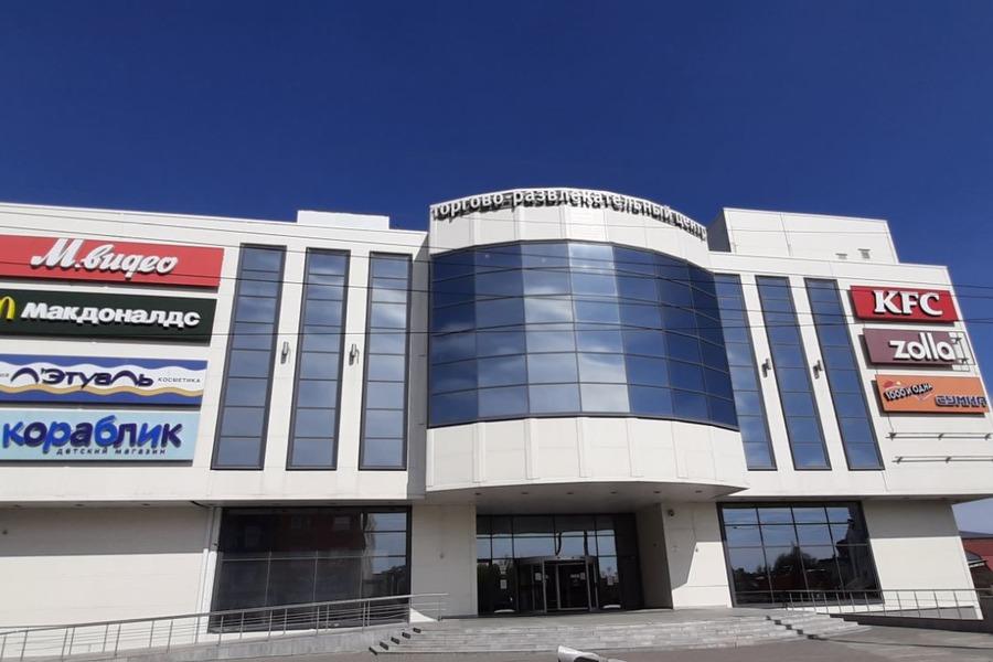 """В Тамбове по-прежнему пытаются продать ТРЦ """"Акварель"""": здание подешевело"""