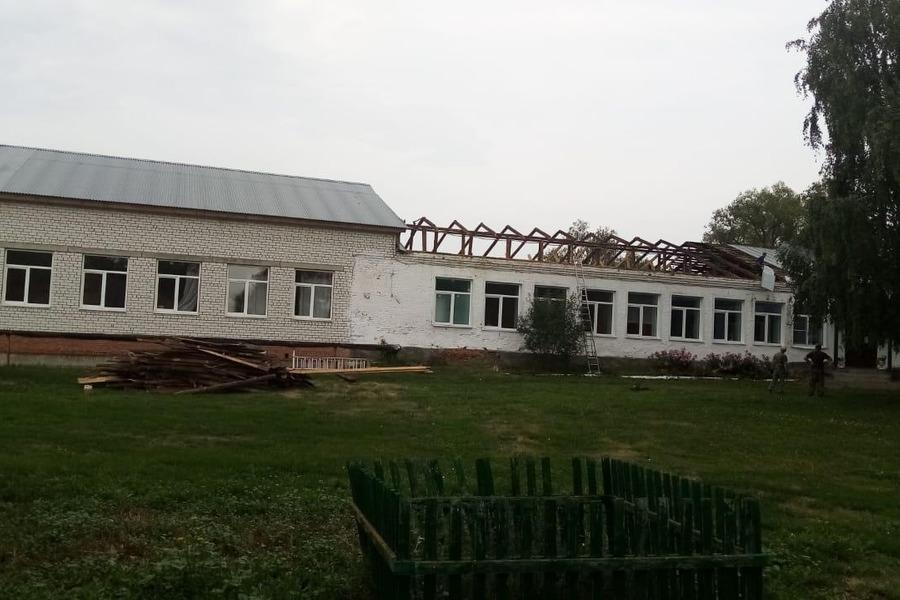 Здание тамбовской школы, оставшееся без крыши, пообещали отремонтировать до 1 сентября