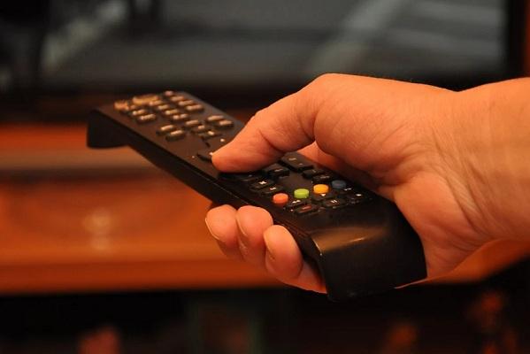 Демонстрацию жестоких сцен на федеральных телеканалах предложили ограничить