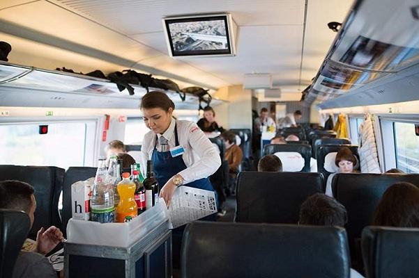 Питание в российских поездах подешевеет в два раза