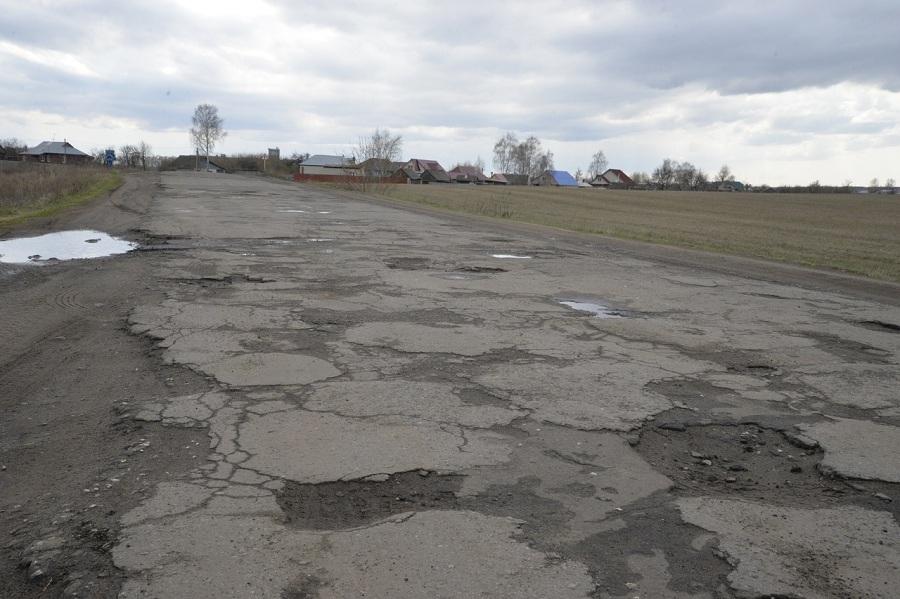По требованию прокуратуры в Рассказовском районе начался ремонт дороги до села Саюкино