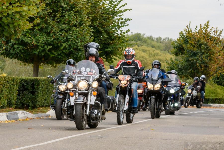Тамбовские байкеры почтили память погибших мотоциклистов
