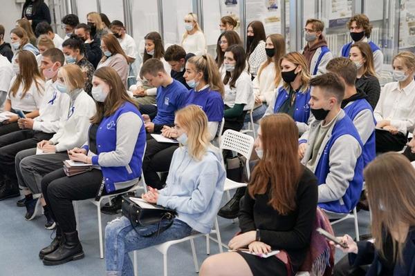 """Тамбовские студенты участвуют в """"Диалогах на равных"""""""
