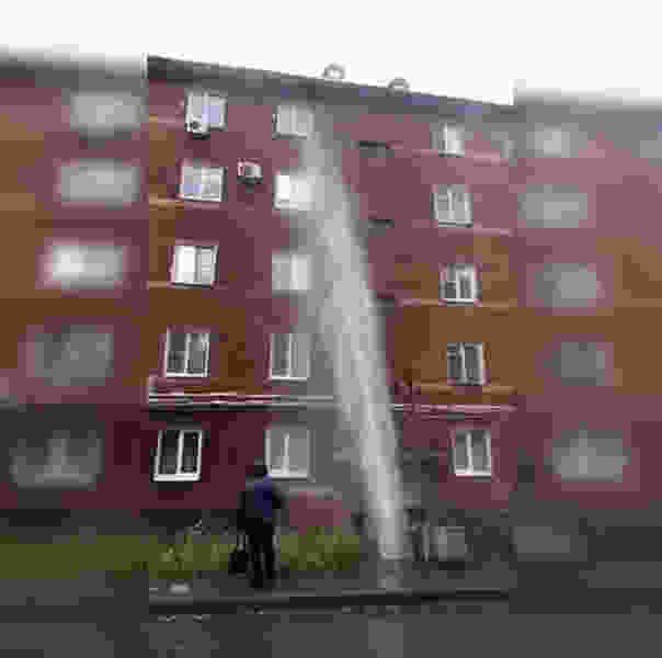В Котовске фонтан высотой в четыре этажа бьёт из земли