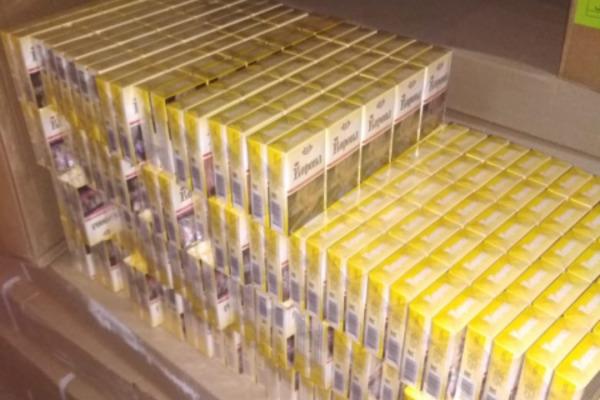 В Мичуринске полицейские изъяли около 2,5 тысяч пачек сигарет с признаками контрафакта
