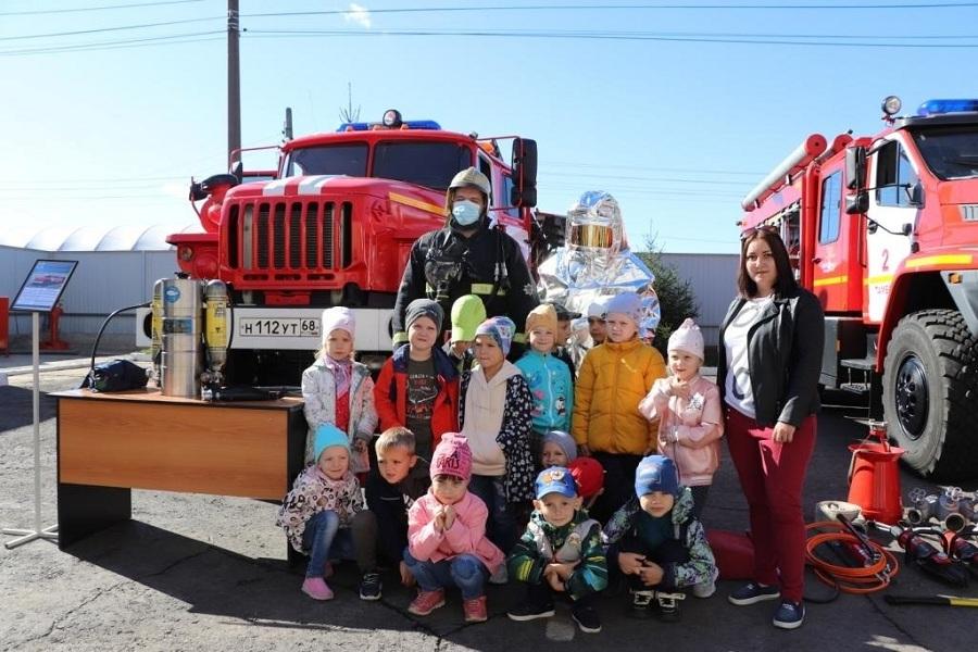 В пожарно-спасательных подразделениях региона прошли Дни открытых дверей