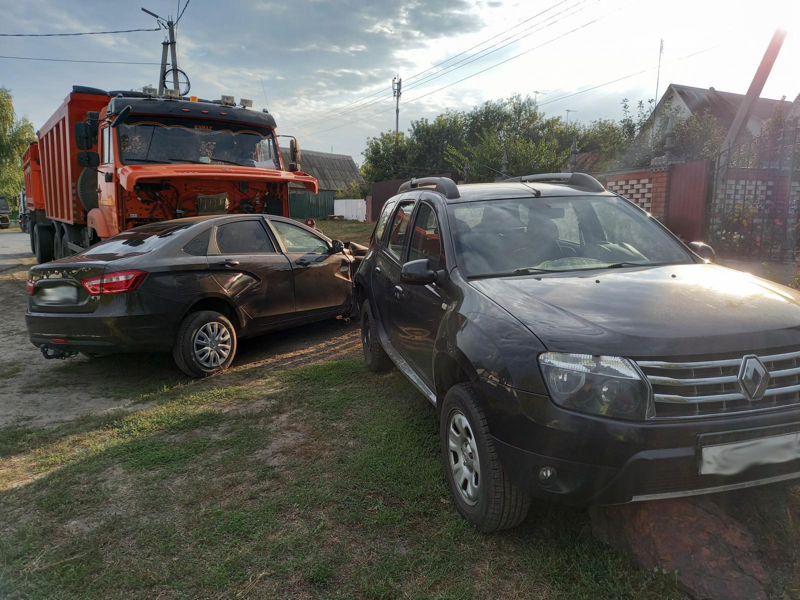 В Рассказово водитель грузовика устроил массовое ДТП: трое в больнице