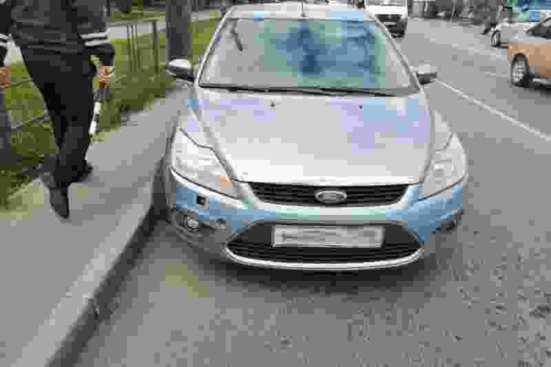 В Тамбове «Форд» сбил двух школьниц