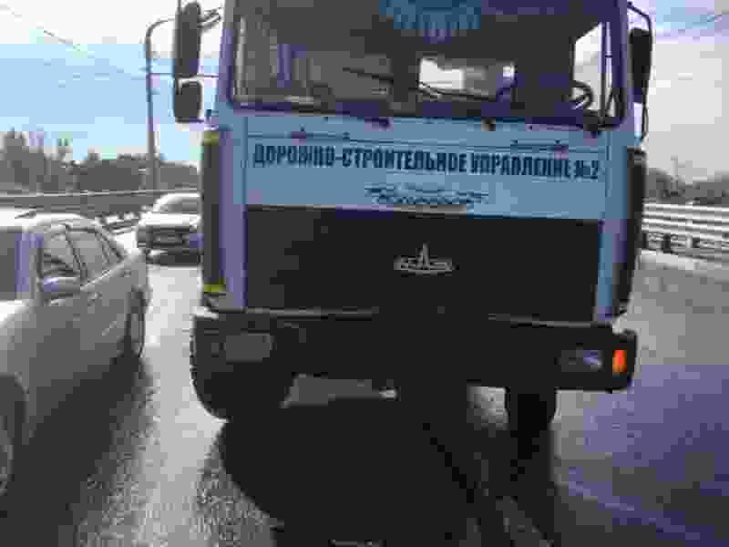 В Тамбове грузовик протаранил «BMW» на улице Астраханской