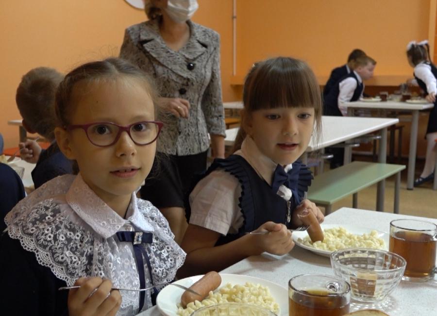 В Тамбове ученики жалуются на холодную и невкусную пищу в столовой школы №22