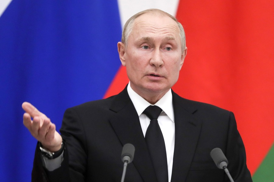 Владимир Путин уходит на режим самоизоляции