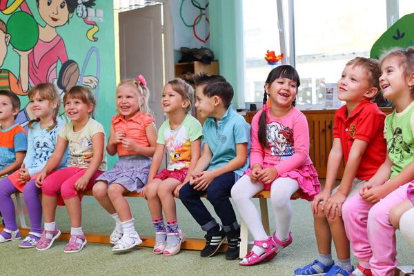 Воспитатели отмечают профессиональный праздник