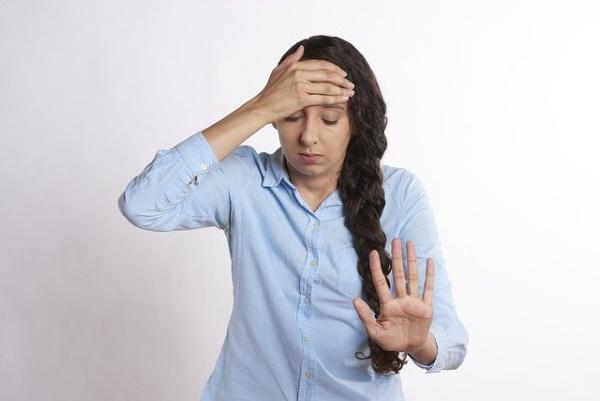 Врач рассказала об опасности самолечения при простуде