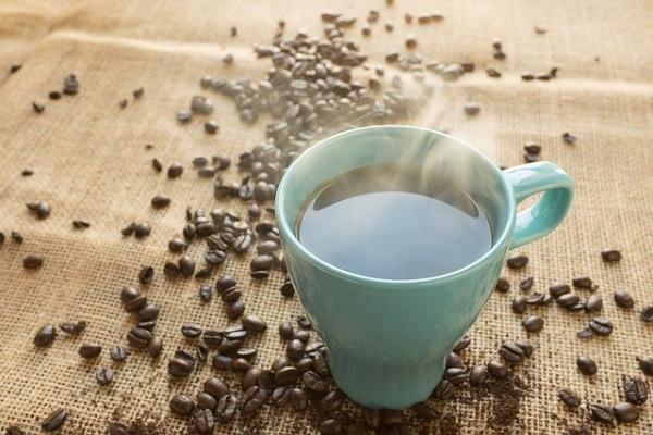 Врачи предупреждают об опасности употребления кофе сразу после пробуждения